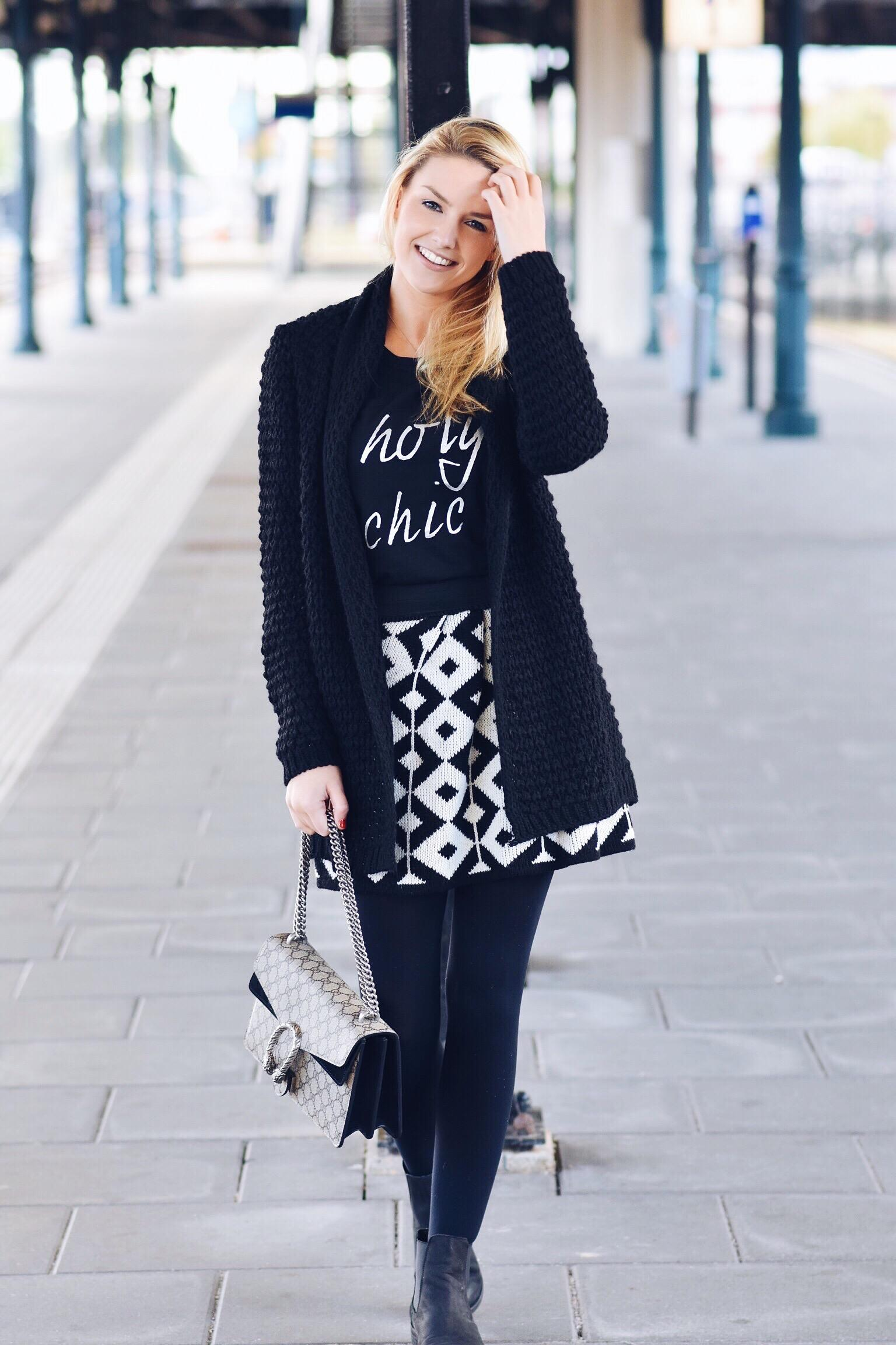 White & Black Patterns