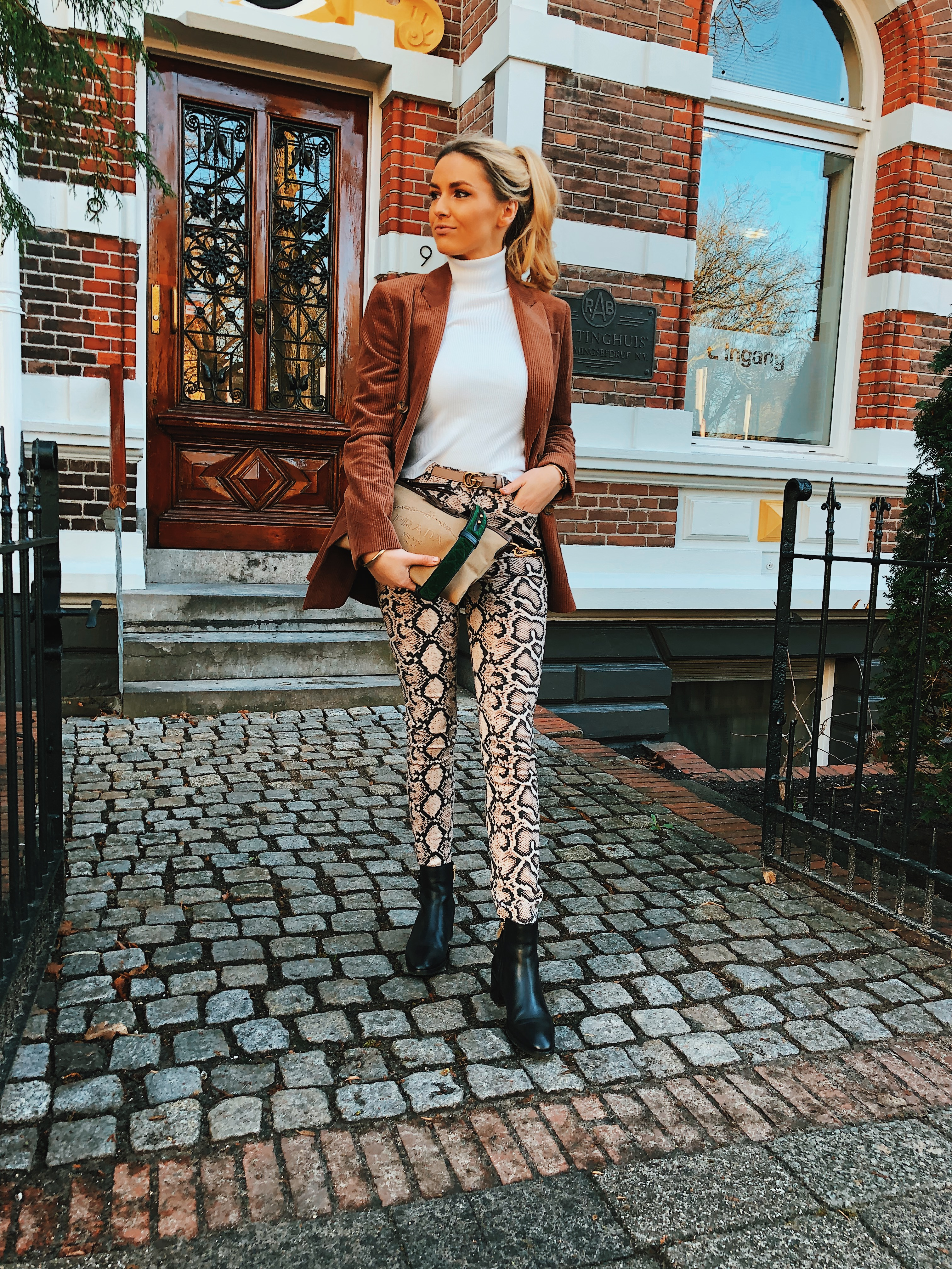 Brown & White toned outfit inspo